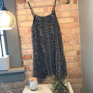 Flowey boho mini pleated dress